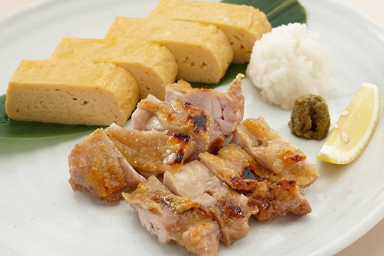 地鶏の塩焼きと出汁巻き玉子